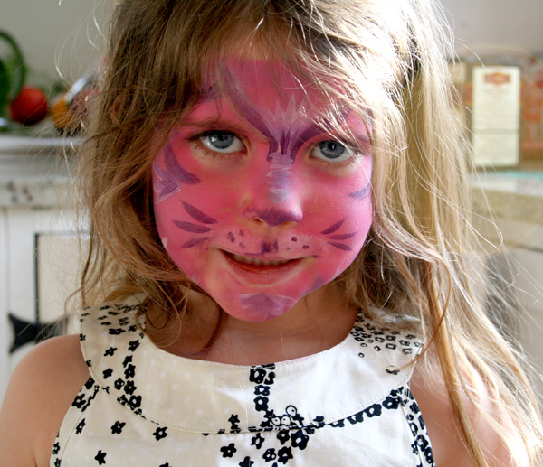 Evie Popple Cake went out with her daddy and he brought home a pink pussy cat.